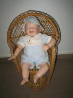 Foto 2 Kathy Hippensteel Künstlerpuppe ''Babypuppe mit Wurm''