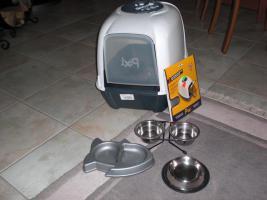 Katzenklo mit Ersatzfilter und 4 Näpfe + 1/2 Sack Streu
