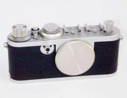 Kaufe Alte Fotogeräte und Objektive Leica Canon Agfa Kodak Hasselblad usw.