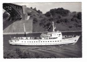 Kiel-Kanal >Tom Kyle<