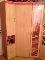 Foto 3 Kinder Eck-Kleiderschrank (mit rosa Akzenten)