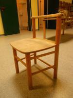 Foto 2 Kinder Stühle und Tische hochwertig, Vollholz, Firma Steybe