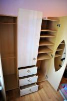 Foto 3 Kinderzimmerschrank mit Regal