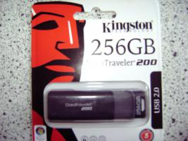 Foto 3 Kingston DT USB Stick mit riesigen 256GB Speicher