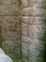 Kirschbaumregal, Riesenbett zum schlafen und sitzen und Ein Dreisitz mit Sesseln Gratis dazu!