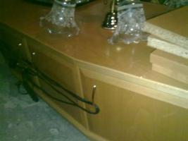 Foto 4 Kirschbaumregal, Riesenbett zum schlafen und sitzen und Ein Dreisitz mit Sesseln Gratis dazu!