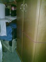 Foto 5 Kirschbaumregal, Riesenbett zum schlafen und sitzen und Ein Dreisitz mit Sesseln Gratis dazu!