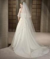 Foto 2 Klassische Brautkleid in A-Linie - vom PRONOVIAS-Label White One - inkl. Accessoires!