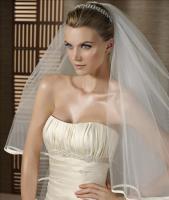 Foto 3 Klassische Brautkleid in A-Linie - vom PRONOVIAS-Label White One - inkl. Accessoires!
