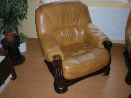 Foto 2 Klassische, luxuriöse Sofagarnitur aus Leder und Holz