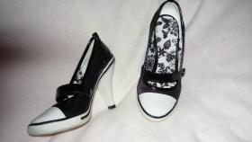 Foto 3 Kleider Schuh Paket Damen