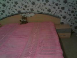 Foto 2 KleiderSchrank und Bett