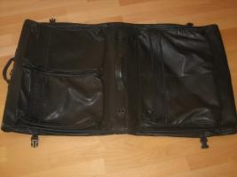 Kleidersack aus Leder
