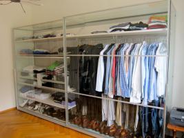Kleiderschrank mit Glas Optik