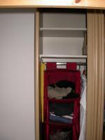 Foto 3 Kleiderschrank mit Schiebetüren & Spiegel