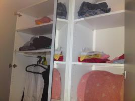 Foto 5 Kleiderschrank mit Spiegeltüren