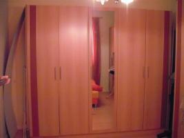Kleiderschrank und passendes Bett  180 x 200 cm o. Lattenrosten
