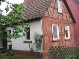 Kleines Haus mit Garten und Schuppen zu vermieten, Wohnfl.ca.50-55qm 300.- Euro kalt