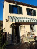 Kleines Haus in der Toskana, wunderschoene Huegellage nur 9 km vom Meer und von Viareggio