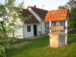 Foto 2 Kleines Wohnhaus ruhig und sch�n gelegen zu verkaufen !! Auch Tausch mit PKW m�glich !!