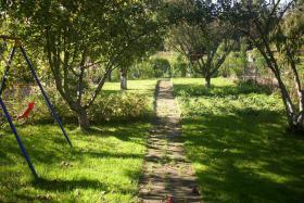 Foto 2 Kleingarten / Schrebegarten in K�ln D�nwald ca. 290 m� mit Steinh�uschen