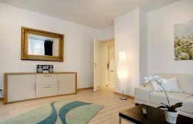Foto 2 Komfortable, möblierte 2-Zimmerwohnung mit Balkon