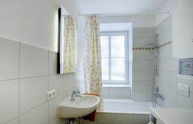Foto 5 Komfortable, möblierte 2-Zimmerwohnung mit Balkon