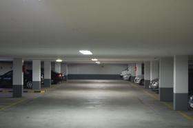 Foto 2 Komfortabler Tiefgaragenstellplatz mit guter Rendite zu verkaufen