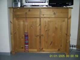 Foto 2 Kommode aus Holz, gelaugt, geölt, an Selbstabholer abzugeben