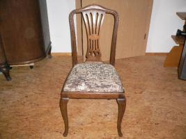 Foto 4 Komode, Vitrine, Tisch und Stühle