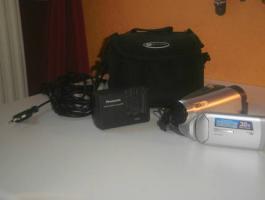 Kompakter Mini DV Megazoom Camcorder von Panasonic