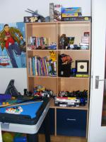 Foto 2 Komplettes Kinderzimmer best. aus Hochbett/Schreibtisch/Kleiderschrank und Regal