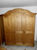 Foto 2 Komplettes Massivholz-Schlafzimmer