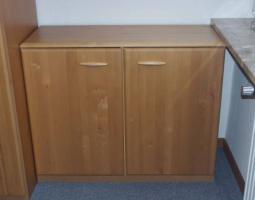 Foto 3 Komplettes Schlafzimmer aus Massivholz inkl. 2,10m Bett + Motorrahmen, Kommoden, Schrank, Nachttisch