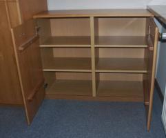 Foto 4 Komplettes Schlafzimmer aus Massivholz inkl. 2,10m Bett + Motorrahmen, Kommoden, Schrank, Nachttisch