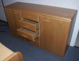 Foto 6 Komplettes Schlafzimmer aus Massivholz inkl. 2,10m Bett + Motorrahmen, Kommoden, Schrank, Nachttisch