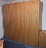 Foto 7 Komplettes Schlafzimmer aus Massivholz inkl. 2,10m Bett + Motorrahmen, Kommoden, Schrank, Nachttisch