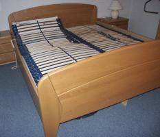 Foto 8 Komplettes Schlafzimmer aus Massivholz inkl. 2,10m Bett + Motorrahmen, Kommoden, Schrank, Nachttisch