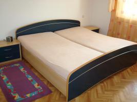 Komplettes Schlafzimmer (Schränke+großes Ehebett)