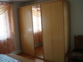 Foto 2 Komplettes Schlafzimmer (Schränke+großes Ehebett)