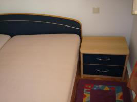 Foto 3 Komplettes Schlafzimmer (Schränke+großes Ehebett)