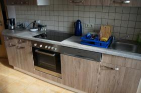 Foto 5 Komplettküche mit Einbaugeräten