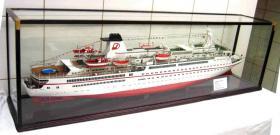 Foto 2 Kreuzfahrtschiffsmodelle nach originalplännen in 1:100