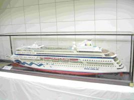 Foto 4 Kreuzfahrtschiffsmodelle nach originalplännen in 1:100