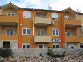 Foto 7 Kroatien-Vodice, Reihenhaus/Wohnung mit 3 Etagen!