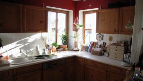 Foto 2 Küche mit Holzfronten