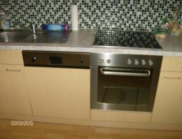 Foto 2 Küche mit Markengeräten