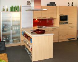 Küche neu, ewe, ahorn classic, stand in einer Ausstellung ca. 3,2 x 2,2 m