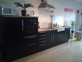 Küche (schwarz) ,1 Jahr alt, zu verkaufen!!!