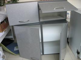 Foto 2 Küchenhängeschränke, auch für Keller und Werkstatt geeignet